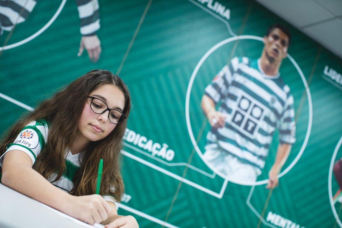 Laura Pereira assinou pelo SCP