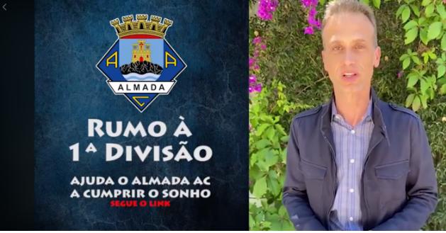 O jornalista José Carlos Araújo queria muito dar a noticia de que o Almada AC estava de volta à 1ª divisão!