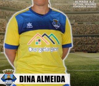 Futebol | Seniores Femininos | Dina Almeida firma vinculo com o Almada AC para a época 2020/21