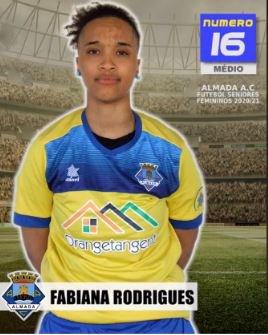 Futebol | Seniores Femininos | Bem-vinda Fabiana Rodrigues ao Almada AC