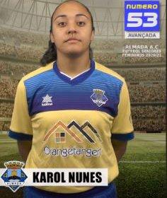 Futebol | Seniores Femininos | Karol Nunes renovou com o Almada AC para época 2020/21