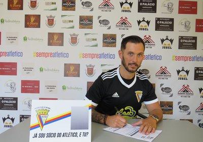 Contratação: Ivo Coelho