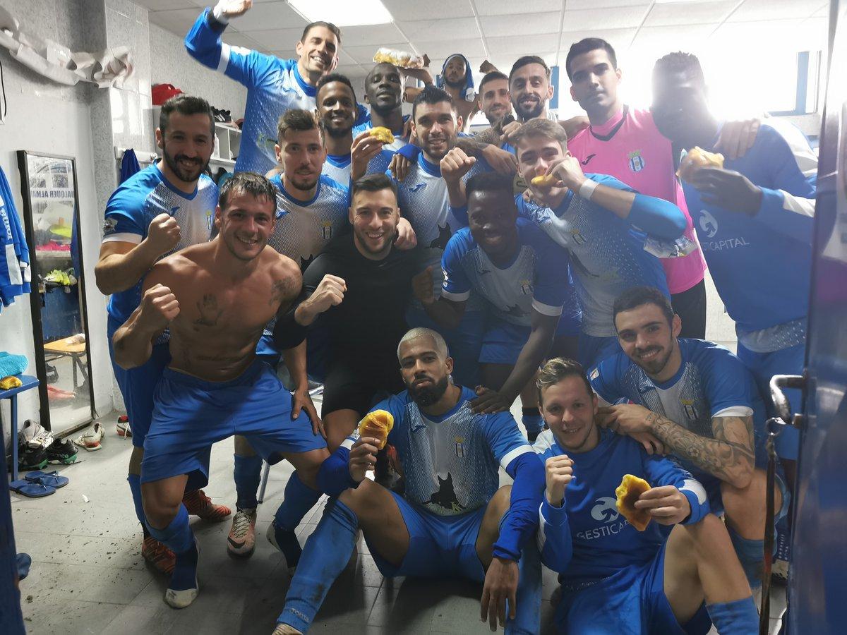 Triunfo por 2-1 sobre o Águeda garante a liderança isolada