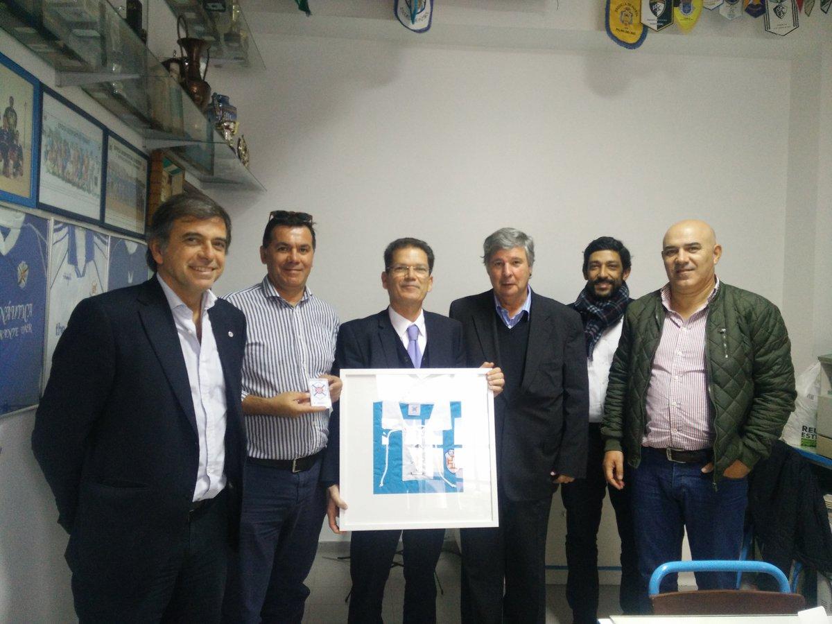 """Clube de Futebol """"Os Armacenenses"""" reforça relações institucionais com Belenenses."""