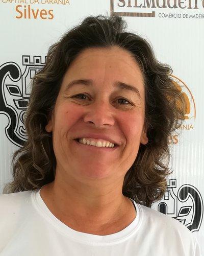 Cristela Neves