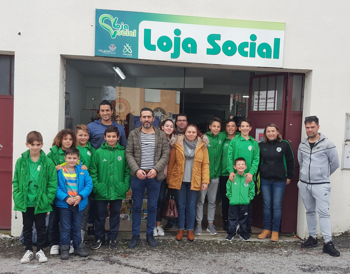 Vilaverdense F.C. entrega alimentos na Loja Social