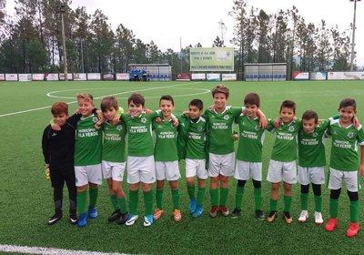 Cerca de sete dezenas de atletas participaram em jogos de competição infantil